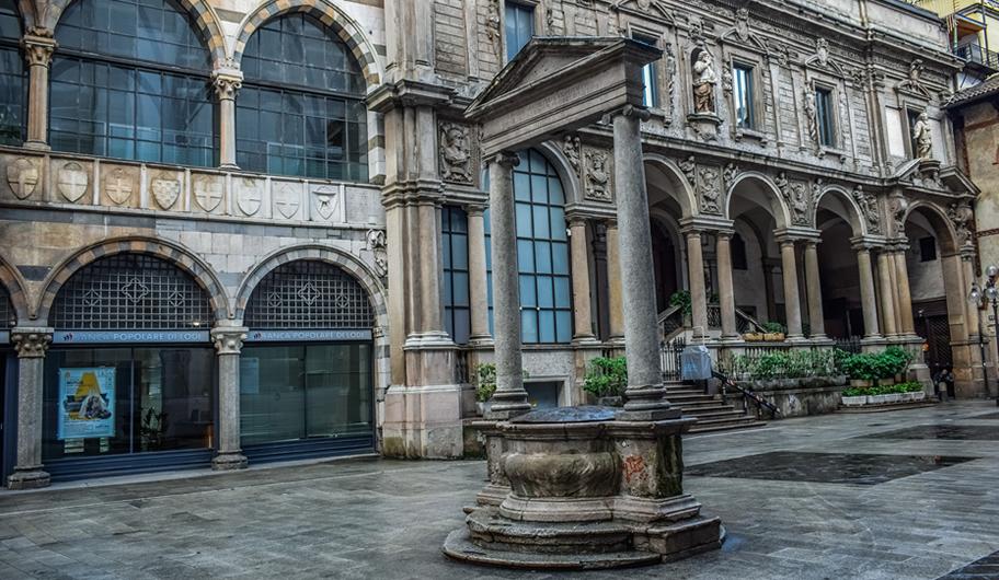 VISIT MILANO Piazza dei Mercanti